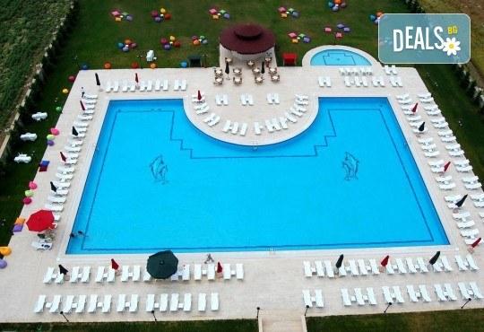 Последни места за Нова година в Eser Diamond Hotel 5*, Силиври, Турция! 2 нощувки с 2 закуски, 1 стандартна и 1 празнична вечеря, празнична програма и ползване на СПА! Безплатно за дете до 3 години! - Снимка 5