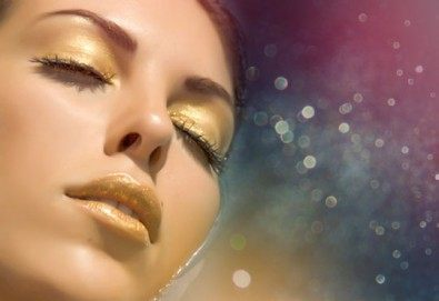 Заглаждане на бръчките и фините линии с лифтинг терапия за лице с 24К злато и хиалурон в салон за красота Престиж, Яворец! - Снимка