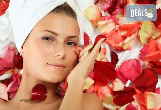 Красива и млада кожа с антиейдж терапия за лице с розово масло в салон за красота Престиж, Яворец! - Снимка 1