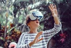 Пренесете се в ново измерение! 3D VR case 5 и очила за виртуална реалност от Онлайн магазин за подаръци Банана - Снимка