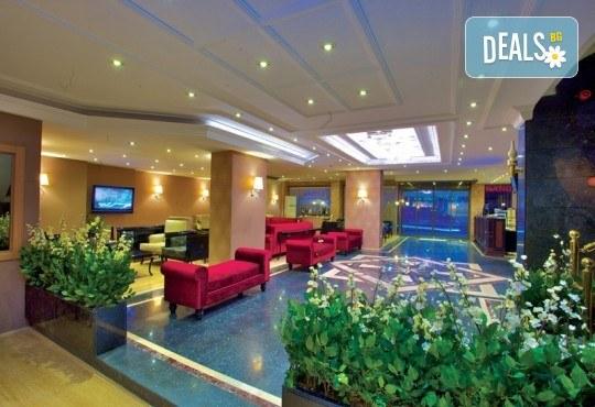 Нова година 2018 в Истанбул в хотел Grand Emin 3*! 3 нощувки с 3 закуски, транспорт, посешение на Капалъ Чарши, историческия Хиподрум и МОЛ Forum - Снимка 6