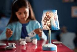 Изненадайте своя малчуган с преносима LED лампа на Philips с обичаните герои от анимацията на Disney Frozen! - Снимка