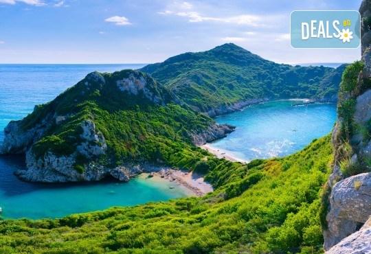 Великден 2018 на остров Корфу в Гърция! 3 нощувки със закуски и вечери, транспорт, водач и посещение на Керкира за празничната заря - Снимка 2