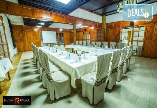 Коледа в Hotel Nova Riviera 3*, Охрид! 2 нощувки със закуски и вечери, едната празнична, с жива музика и напитки, транспорт, екскурзовод и програма - Снимка 8