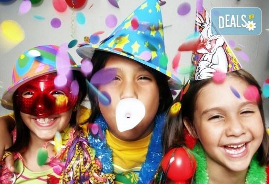 Забавление за Вашия малчуган! 3 часов детски рожден ден за до 10 деца, аниматор и празнична украса от Детски център Лъвчета! - Снимка 3