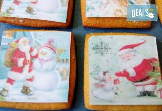 Празниците идват! Коледни бисквити със снимка на Дядо Коледа, Снежния човек, джуджета, ангелчета и елхички от майстор-сладкарите на Muffin House! - Снимка 4