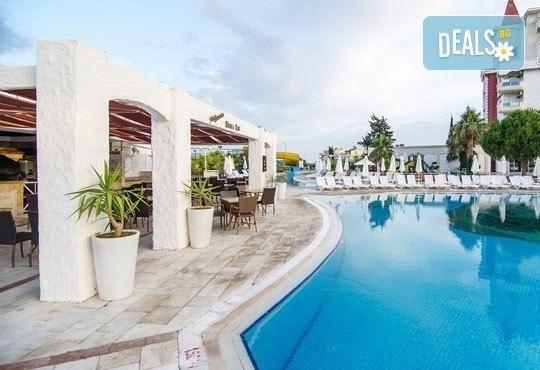 Ранни записвания за Майски празници 2018-та! 5 нощувки на база Ultra All Inclusive в Aquasis De Luxe Resort & SPA 5*, Дидим, с възможност за транспорт! - Снимка 8