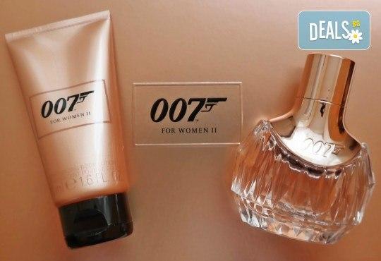 Фатално привличане! Вземете оригинален подаръчен комплект James Bond 007 for Women II, включващ парфюм и лосион за тяло! - Снимка 1