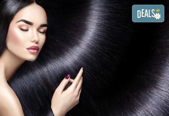 Красива коса и стилна визия! Подстригване, подхранваща терапия - ламиниране, прическа със сешоар и оформяне на маникюр в салон за красота Веслец! - Снимка 2
