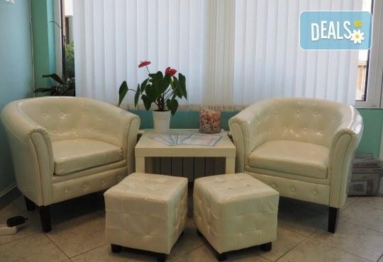 Влезте във форма за посрещането на Нова година! Вземете ексклузивна оферта за комбиниран масаж на цяло тяло и антицелулитен лимфодренажен масаж от студио Easy Spa! - Снимка 6