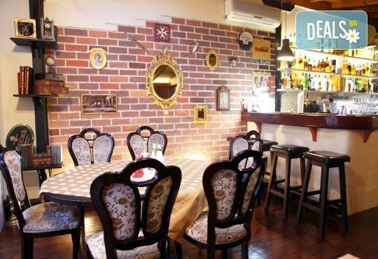 Вечеря за двама през месец декември! 2 салати домати и мус от сирена, маринован свински врат с билкови картофи и 2 чаши наливно вино в ресторант Saint Angel - Снимка 8