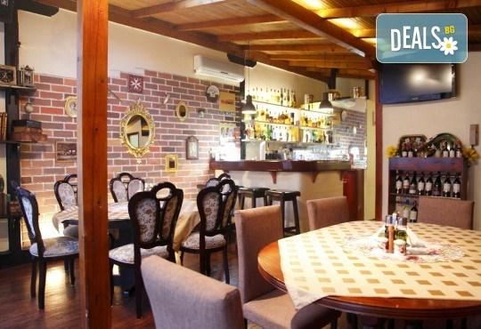 Вечеря за двама през месец декември! 2 салати домати и мус от сирена, маринован свински врат с билкови картофи и 2 чаши наливно вино в ресторант Saint Angel - Снимка 7