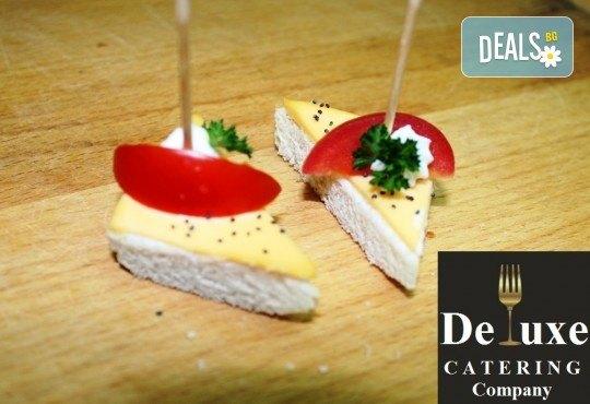 75 или 125 броя коктейлни хапки с богати и разнообразни вкусове, красиво аранжирани и готови за сервиране от Делукс Кетъринг Къмпани! - Снимка 7