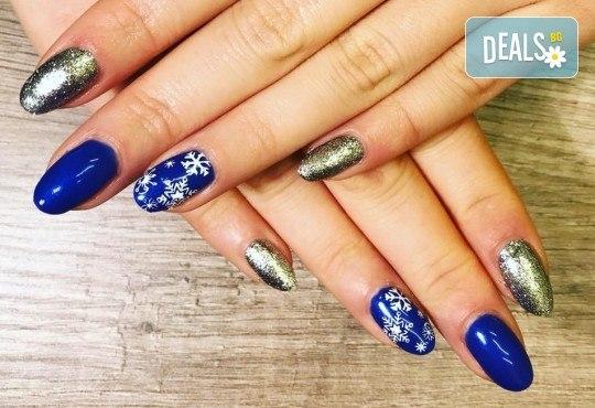 Красиви ръце! Дълготраен маникюр с гел лак Le Vole и 2 декорации в Студио за маникюр Vess Nails - Снимка 13