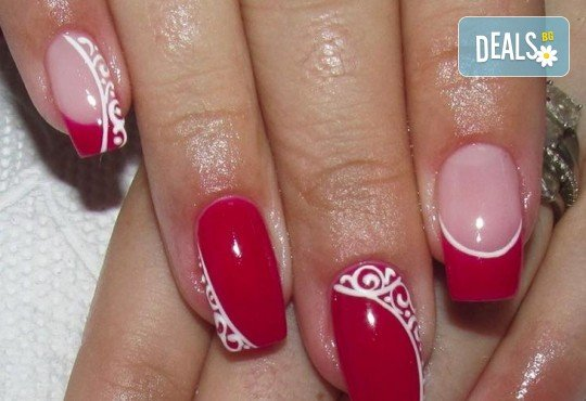 Красиви ръце! Дълготраен маникюр с гел лак Le Vole и 2 декорации в Студио за маникюр Vess Nails - Снимка 5
