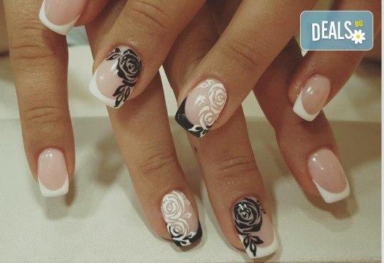 Красиви ръце! Дълготраен маникюр с гел лак Le Vole и 2 декорации в Студио за маникюр Vess Nails - Снимка 6