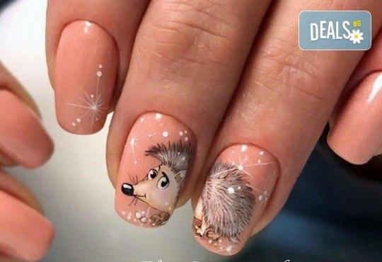 Красиви ръце! Дълготраен маникюр с гел лак Le Vole и 2 декорации в Студио за маникюр Vess Nails - Снимка 3