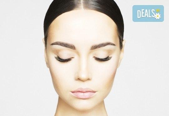 Перфектно оформени вежди чрез микроблейдинг по метода косъм по косъм и бонус: отстъпка от ретуш от Beauty center D&M! - Снимка 2