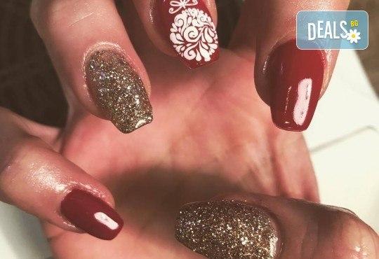 Прекрасни ръце! Дълготраен маникюр с гел лак Le Vole и сваляне на гел лак в Студио за маникюр Vess Nails! - Снимка 9