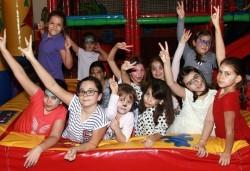 Щур купон и игри в Драгалевци! Детски рожден ден - 3 часа лудо парти за 10 деца и родители от Детски център Бонго Бонго - Снимка