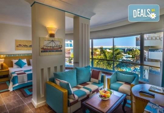 На плаж и почивка в страната на фараоните - Египет! 7 нощувки на база All Inclusive в Seagull Beach Resort 4*+ в Хургада, самолетен билет, летищни такси и трансфери - Снимка 14