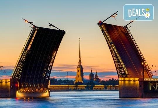 Ранни записвания за Белите нощи в Санкт Петербург, Русия! 5 нощувки със закуски, полет от Бургас с билет, летищни такси, трансфери, водач - Снимка 5