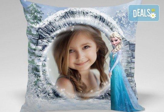 За подарък! Декоративна възглавничка със снимка и готови дизайни за деца 40х40 см. или във формата на сърце от Studio SVR Design! - Снимка 2