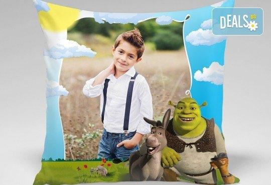 За подарък! Декоративна възглавничка със снимка и готови дизайни за деца 40х40 см. или във формата на сърце от Studio SVR Design! - Снимка 4