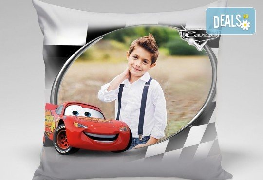 За подарък! Декоративна възглавничка със снимка и готови дизайни за деца 40х40 см. или във формата на сърце от Studio SVR Design! - Снимка 1