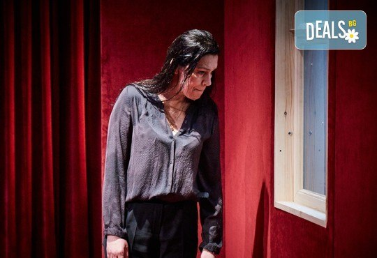 """Гледайте """"Като трохи на прозореца"""", постановка на Малин Кръстев, на 24.01. от 19 ч. в Младежки театър! Премиера за сезона! - Снимка 7"""