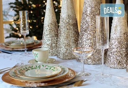 За празниците у дома с цялото семейство! Коледно или Новогодишно семейно меню от кулинарна работилница Деличи! - Снимка 1
