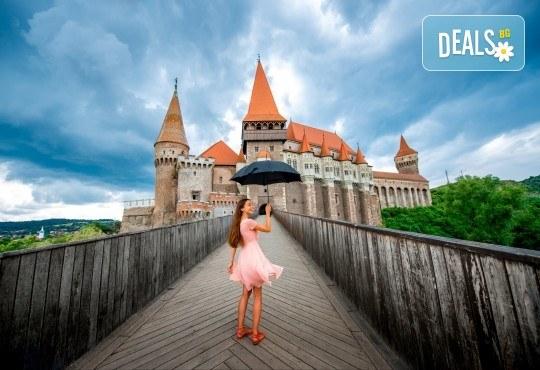 Ранни записвания за екскурзия в Румъния - Трансилвания! 3 нощувки със закуски в хотели 2*/3*, транспорт и посещение на замъка Пелеш, Бран и Сигишоара - Снимка 1