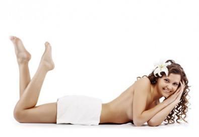 Антицелулитна терапия на зонa по избор, включваща пилинг, антицелулитен масаж с олио и крем Парафанго в студио Нимфея - Снимка