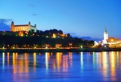 Самолетна екскурзия през март до Братислава, Словакия! 3 нощувки със закуски, самолетни билети и летищни такси - Снимка