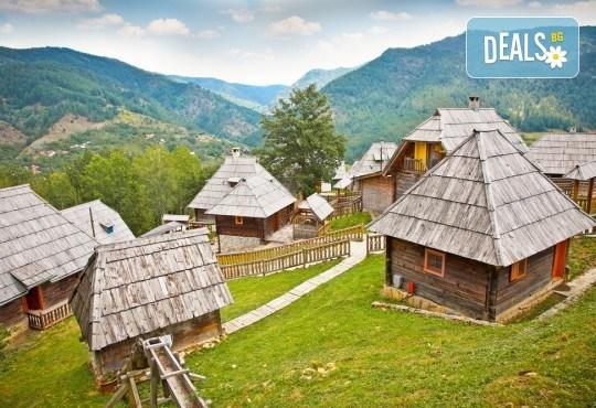 Екскурзия през март до Босна и Херцеговина, Дървенград и Каменград на Кустурица! 3 нощувки със закуски, транспорт и богата програма - Снимка 1