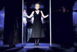 """Tри великолепни актриси в """"Nordost - приказка за разрушението""""! Младежки театър, камерна сцена, 01.02. от 19ч.! - Снимка"""