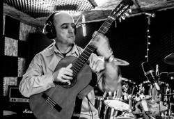 Capriccio Live: Концертен спектакъл на 23-ти януари (вторник) от 19:00 часа с Кирил Бачев - китара и поетесата Лили Сотирова в залата на НОВ театър НДК! - Снимка