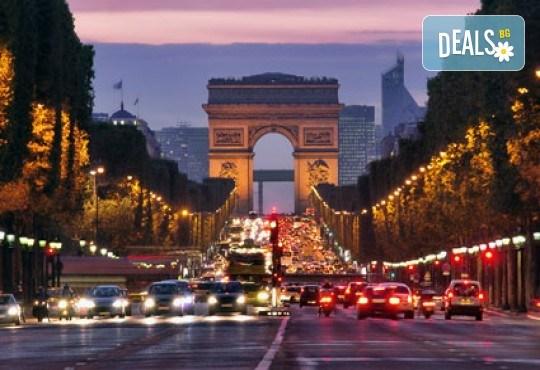 В Дисниленд и Париж за 1 юни - мечта за малки и големи! 4 нощувки със закуски в хотел 2* или 3*, самолетен билет, летищни такси и трансфери, водач - Снимка 10