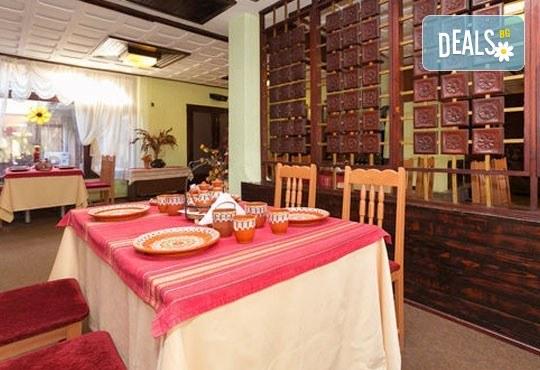 Романтична почивка! Нощувка закуска, следобедна закуска, сауна и фитнес в комплекс Фазанария - бившата резиденция, цена на човек - Снимка 9