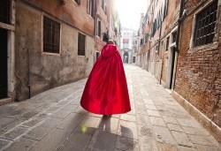 Посетете приказния карнавал във Венеция, Италия, през февруари! 2 нощувки със закуски, транспорт и водач от агенцията - Снимка