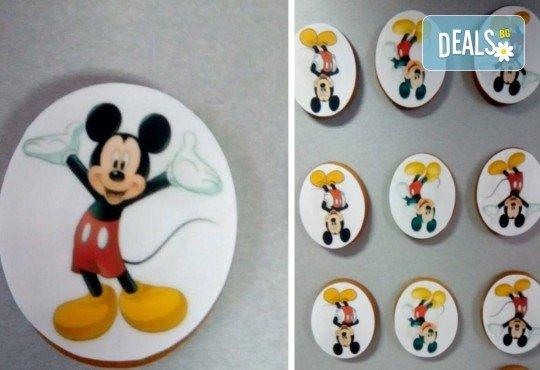 Изненадайте Вашия малчуган! Детски бисквити със снимка на любим герой: Мики Маус, Миньоните, Макуин, Елза или с друга снимка по избор от Muffin House! - Снимка 2