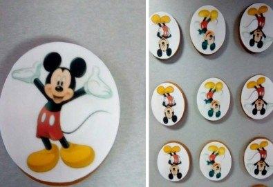 Изненадайте Вашия малчуган! Детски бисквити със снимка на любим герой: Мики Маус, Миньоните, Макуин, Елза или с друга снимка по избор от Muffin House! - Снимка
