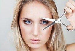 Подстригване, протеинова терапия с инфраред и ултразвук преса и продукти на Milk Shake и прическа със сешоар в козметично студио Beauty! - Снимка