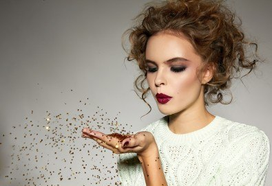 Pretty woman! Сет 5 разкрасяващи процедури: Маникюр и педикюр с гел лак, почистване на лице, прическа със сешоар и бонус: грим в Салон за красота Клеопатра! - Снимка