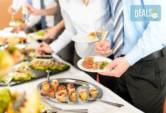 За Вашия празник! 90, 120 или 170 броя коктейлни хапки, аранжирани и декорирани за директно сервиране, от кулинарна работилница Деличи! - Снимка 2