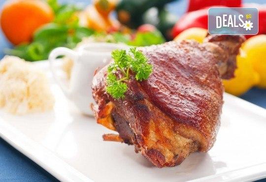 Задушен джолан в гърне с картофено пюре и сос от кулинарна работилница Деличи