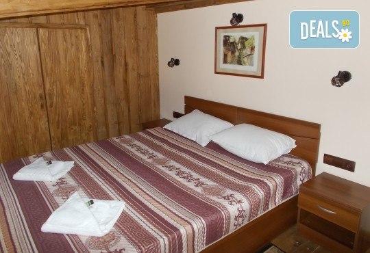 Традиционна атмосфера за Гергьовден в Златоград! 2 нощувки със закуски в хотел Панорама 3*, ползване на басейн, фитнес и СПА, транспорт и екскурзовод - Снимка 4