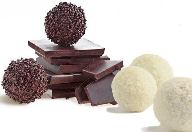 Един килограм домашни шоколадови топки с кокос или шоколад от Сладкарница Орхидея - Снимка