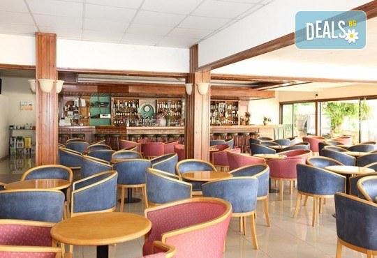 Мини почивка в Пафос, Кипър, с Ривиера Тур! Самолетен билет, 3 нощувки със закуски в хотел 3*, водач и възможност за посещение на Ларнака и Никозия - Снимка 7