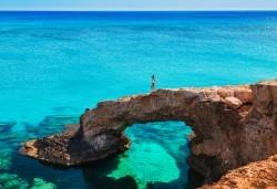 Мини почивка в Пафос, Кипър, с Ривиера Тур! Самолетен билет, 3 нощувки със закуски в хотел 3*, водач и възможност за посещение на Ларнака и Никозия - Снимка